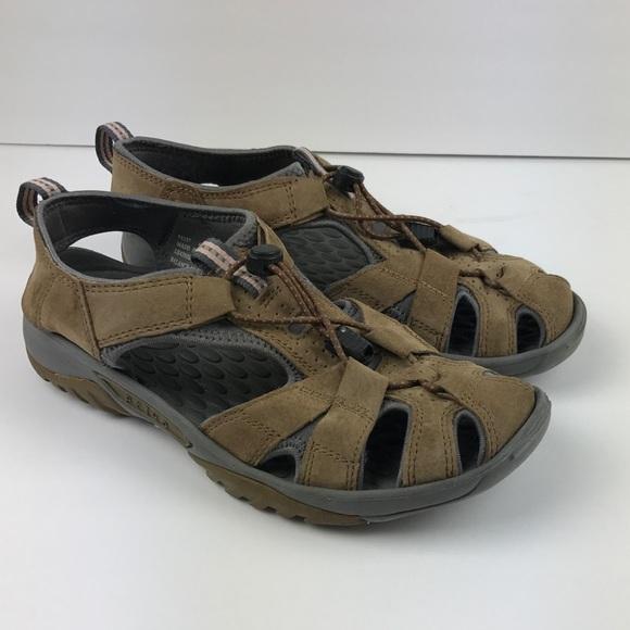 9870e6c5fe5f Clarks Privo sandals size 6. M 5a491a319cc7ef245800d92c